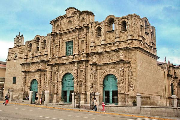 Tour Cajamarca